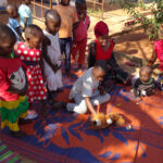 Africa, Tanzania, nyumba yetu, bambini, mamme, giochi