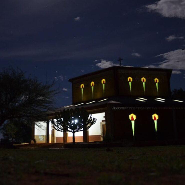 nyumbayetu-artigianato-africa-tanzania-la notte-e-tetra-a-nyumba-yetu